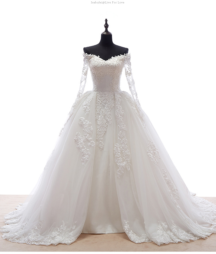 Hot Selling Sweetheart Neck Long Sleeve Lace Appliques Ball Gown